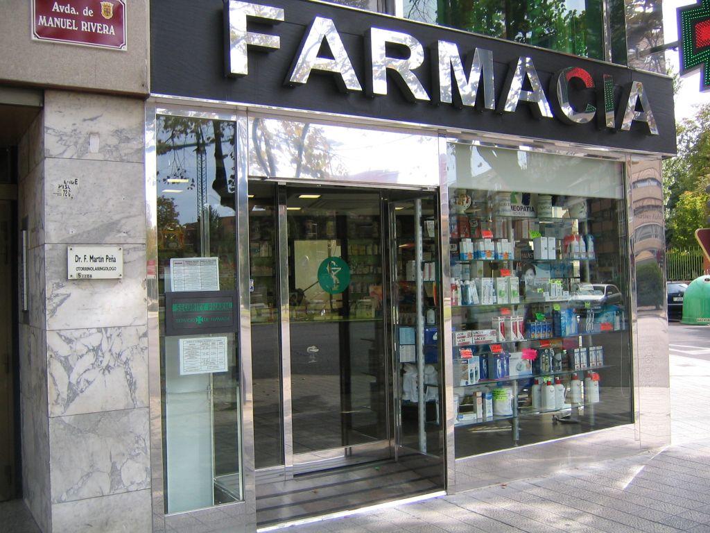Farmacia en Palencia. Manuel Rivera esq. Guerta Guardian (15)