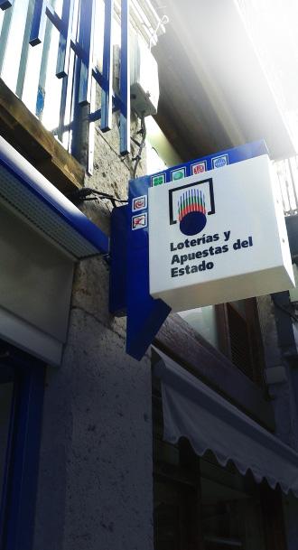 fotulo-banderola-kiosco-palencia